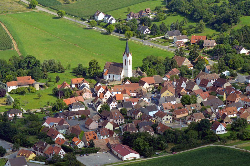 Vue aérienne du village de Hartmannswiller
